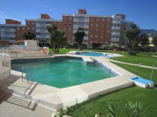 Studio torremolinos terraza soleada piscina el pinillo for Piscina torremolinos